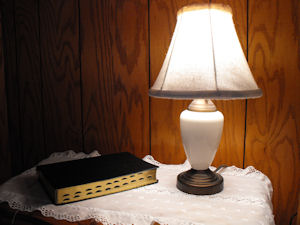 bible-lamp