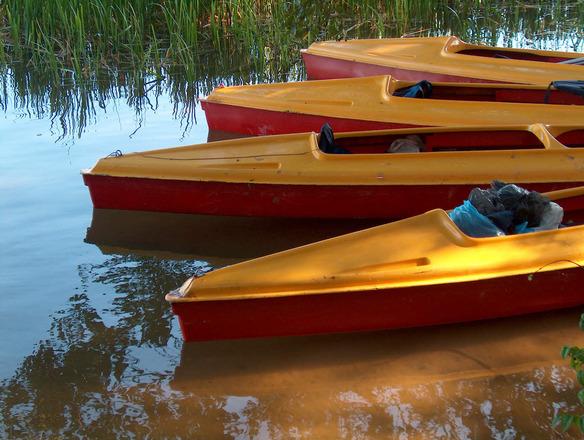 canoes-1504597