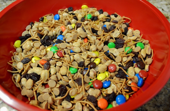 crunchy-trail-mix